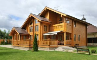 Каковы главные достоинства домов из клееного бруса?