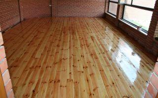 Качественная защита лаком деревянных поверхностей