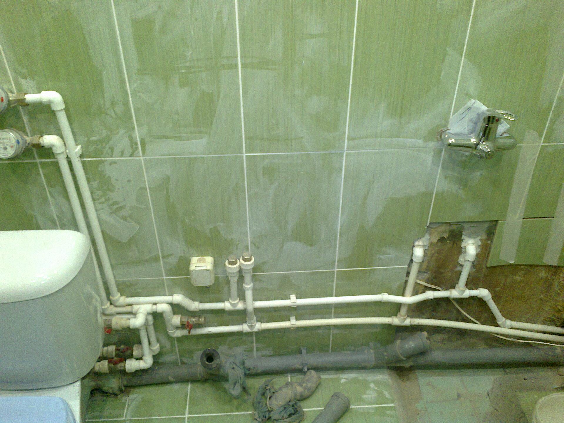 Разводка труб в ванной - инструкция по применению