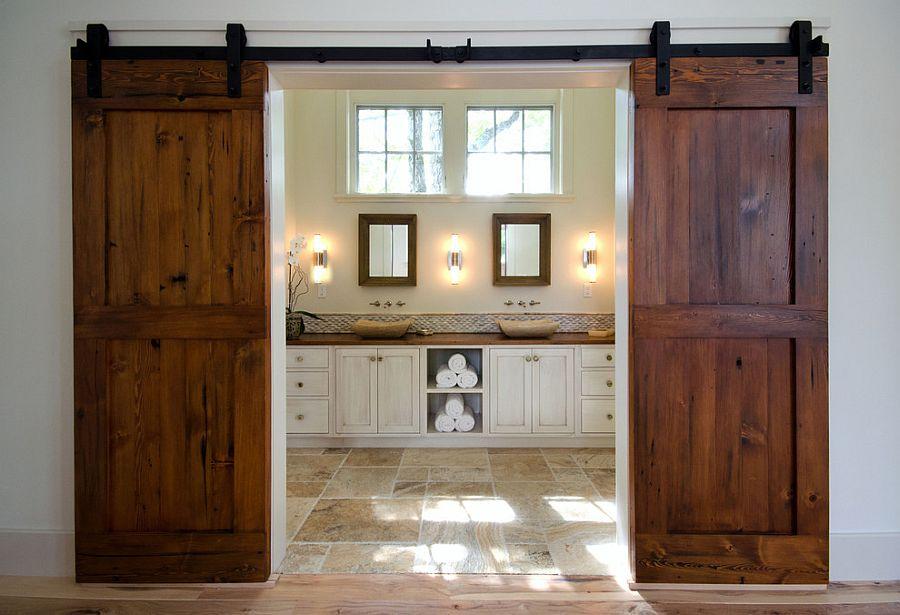дверь из дерева для ванной