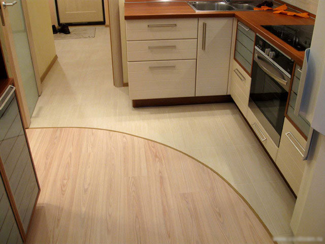 Ламинат для пола на кухне