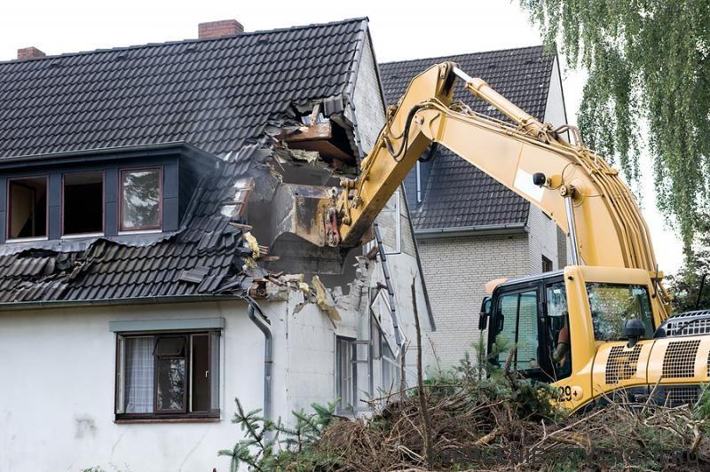 стоимость работ по демонтажу дома