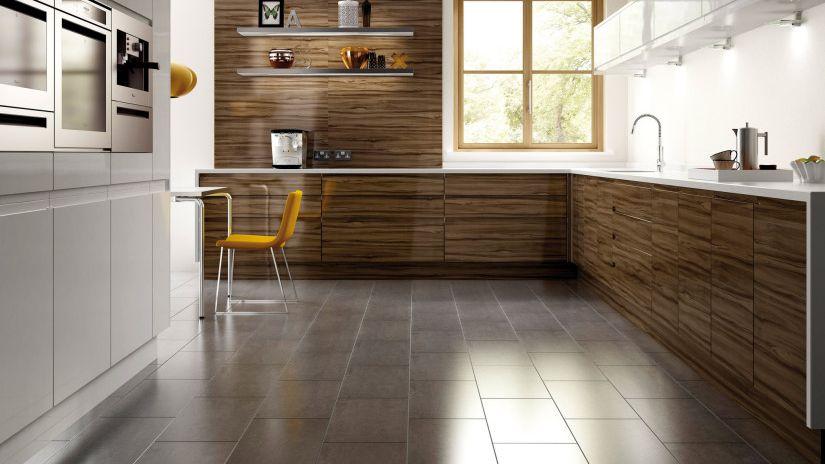 Керамическая или кафельная плитка для пола в кухне