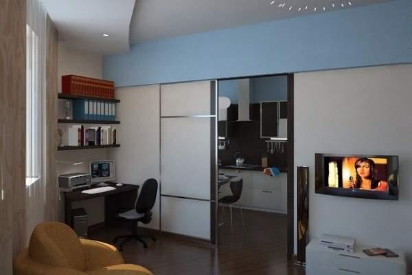 двери в маленькой квартире