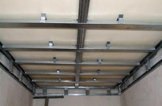 Монтаж пластикового потолка в ванной