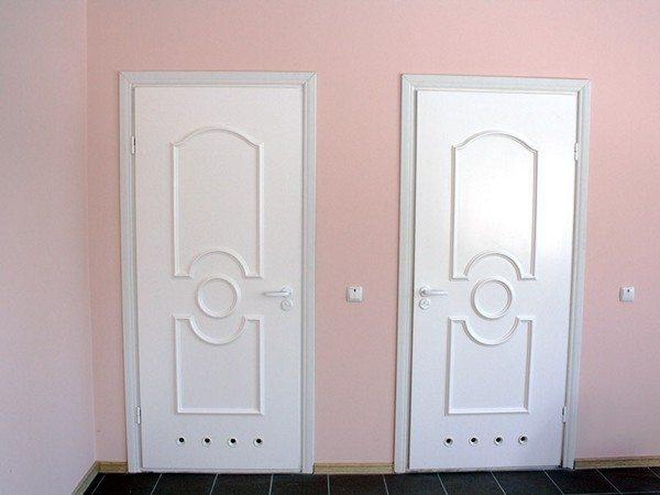 дверь из пластика для ванной