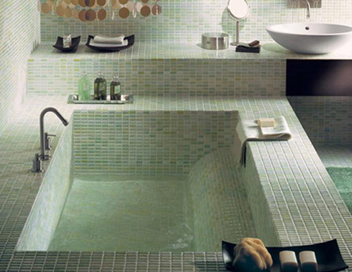 Мозаика на бетонной ванне