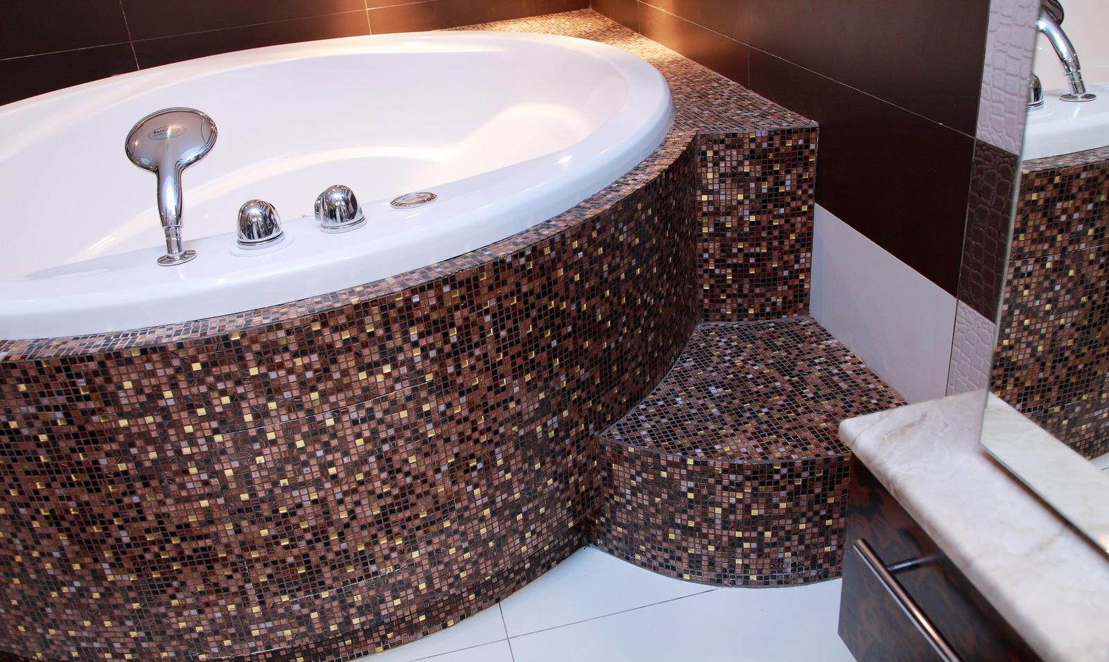Облицовка ванн сложной формы