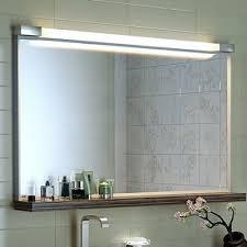 установка зеркала в ванной