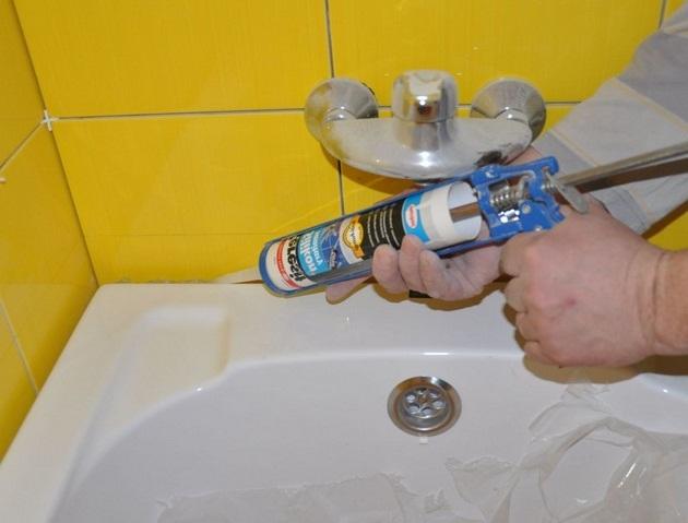 селиконовый-бордюр-для-ванны
