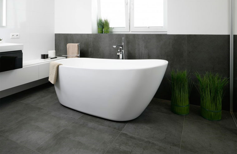 крупная плитка для ванны