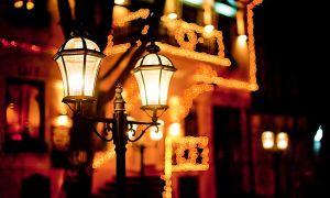 Светильники и фонари. Вечерние прогулки под ярким светом фонарей