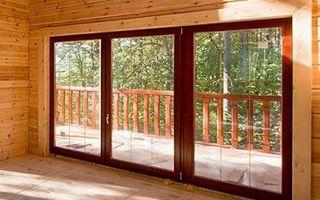 Деревянные окна для загородного жилья