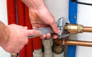 Авария в системе водоснабжения. Ремонт трубы