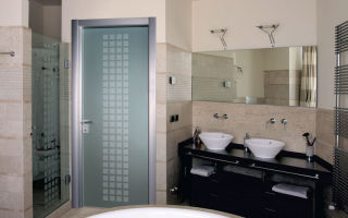 Устанавливаем дверь в ванную: советы по выбору и установке.